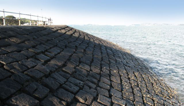 Granite Block Seawall : Sea walls auckland stonemasons stone rock